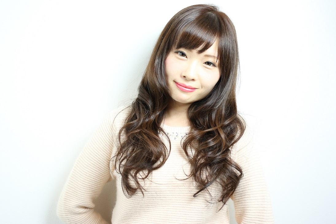 フェミニンモテロング   HAIR 古賀久美子
