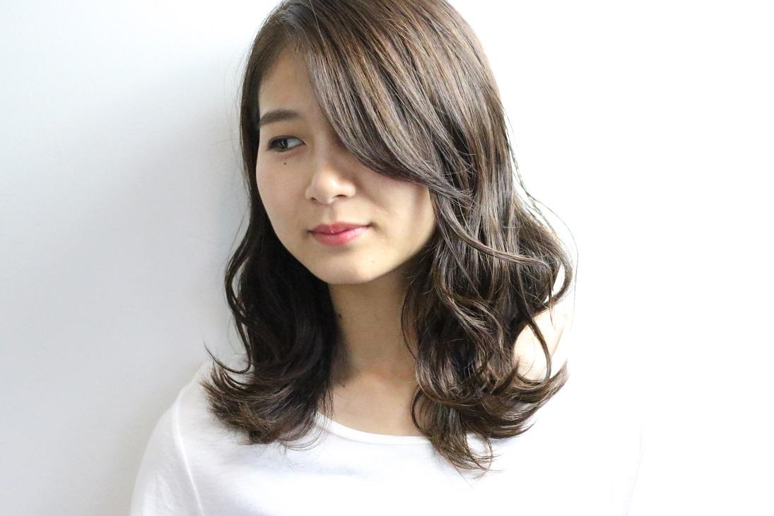 外国人風カラーで作るモテセミロング  HAIR 古賀久美子
